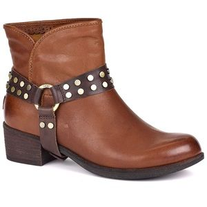 UGG (SZ 6.5) WOMEN'S DARLING HARNESS